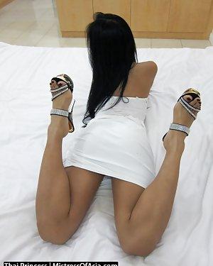 Busty Thai Girls Pics
