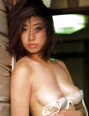 Busty Japanese Girls Pics