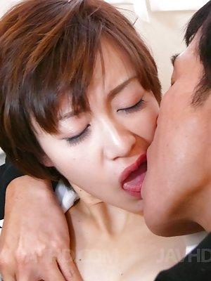Asian Girls Kissing Pics