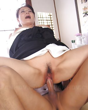 Asian Spreading Pics